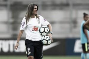 """Emily Lima é demitida da Seleção Feminina e critica """"falta de respaldo"""" por parte da CBF"""