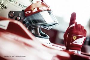 Vettel se olvida de predicciones de cara a 2016