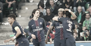 PSG goleia Saint-Étienne em jogo de homenagens a Galtier