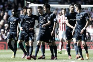 Schneiderlin still hopeful of a top four finish