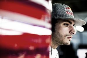 """Carlos Sainz: """"Ha sido un problema en el motor, se ha roto"""""""