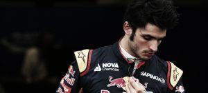 """Carlos Sainz: """"El circuito es muy resbaladizo y no hay mucho agarre"""""""