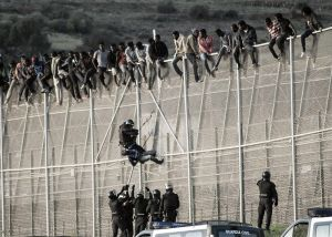 Frenan el salto a la valla de Melilla de 800 inmigrates