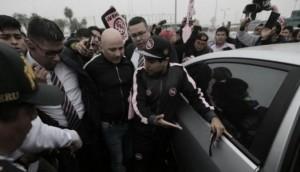 Jorge Sampaoli llegó al Perú y es recibido como ídolo por hinchas de Sport Boys