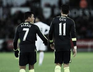 """Wenger reitera permanência de Özil e Sánchez no Arsenal: """"Não queremos enfraquecer o time"""""""