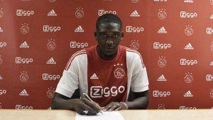 Yaya Sanogo pone rumbo al Ajax