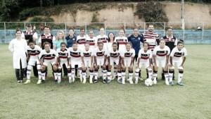 Santa Cruz atrasa quatro meses de salário e encerra time de futebol feminino