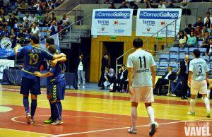 El líder Movistar Inter sufre pero vence a un competitivo Santiago Futsal