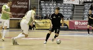 Santiago Futsal rompe la imbatibilidad del líder