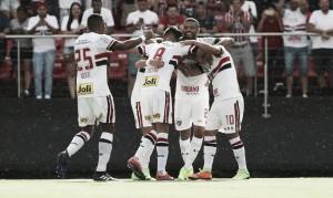 São Paulo despacha Santo André em jogo de arbitragem polêmica no Morumbi