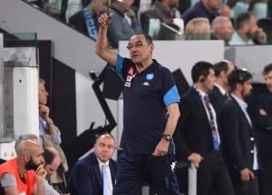 Sarri potrebbe non essere l'allenatore del Napoli nella prossima stagione