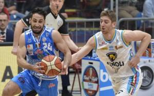 Serie A Beko, sesta di ritorno: apre il big match tra Reggio e Cremona, c'è Sassari-Avellino