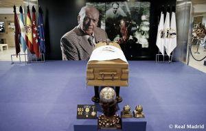 La capilla ardiente de Alfredo Di Stéfano ya está abierta en el Santiago Bernabéu
