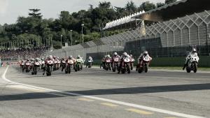 Los pilotos de Superbikes hacen memoria