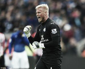 Arsenal keeping eye on Leicester City's Kasper Schmeichel