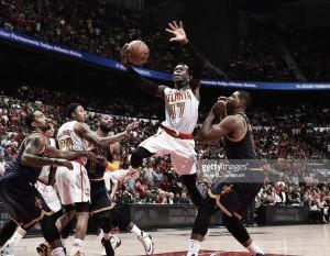 Atlanta da el golpe en Cleveland y deja la NBA sin invictos