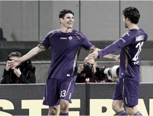 Fiorentina (2) 2-0 (0) Dynamo Kiev: Gomez and Vargas goals send La Viola into the semis