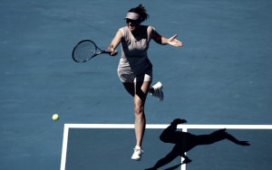 Australian Open: Maria Sharapova eases by Anastasija Sevastova