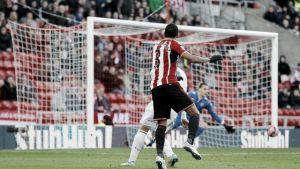 Van Aanholt lleva al Sunderland a la cuarta ronda