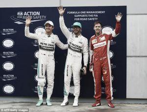 Pole Position para Hamilton em Sepang