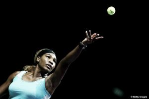 WTA Finals: Williams piega Bouchard, ma la qualificazione resta in bilico