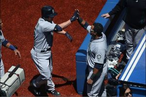 Seattle Mariners Edge Toronto Blue Jays 3-2