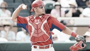 Sebastián Valle firma con liga menor de los Yankees