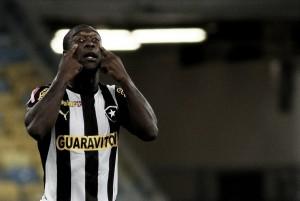 Relembre: há cinco anos, Clarence Seedorf iniciava sua trajetória no Botafogo