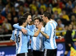 Argentina jugaría con línea de 5 frente a Ecuador