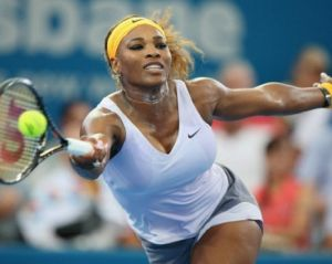 Serena Williams si ritira a Wuhan per un malore