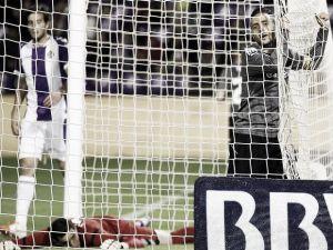 El Valladolid noquea a un Espanyol en caída libre