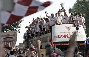 Sevilla vibró con la llegada del equipo