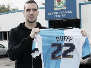 Shane Duffy ficha por el Blackburn Rovers
