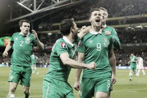 Republic of Ireland 1-1 Poland: Late Long equaliser salvages point for Greens