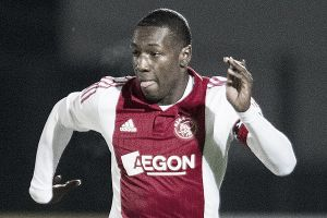 Sheraldo Becker jugará el resto de la temporada en el PEC Zwolle