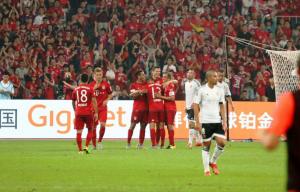 El Bayern somete al Valencia