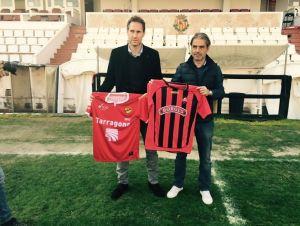 Vicente Moreno y Natxo González intercambian impresiones antes del derbi