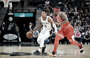 San Antonio Spurs blowout the  Chicago Bulls, 133-94