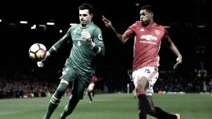 Marco Silva trava José Mourinho: United empatado pelo Hull (0-0)