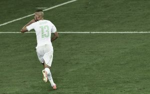Slimani envoie l'Algérie en huitième de finale