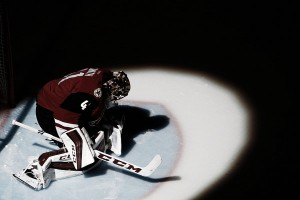 Arizona Coyotes' goaltending dilemma: Mike Smith and/or Louis Domingue