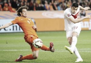 Netherlands 1- Turkey 1: Sneijder saves Oranje