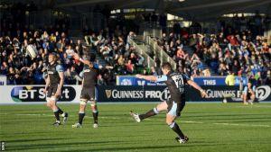 Hogg spoils dream start for Leinster