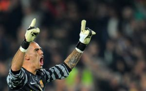 Will Victor Valdes sign for Liverpool Football Club?