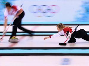 Canadá se hace con el oro en curling femenino