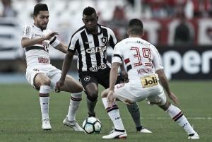 Desfalcado, São Paulo recebe o Botafogo em duelo direto pelo G-7 do Brasileirão