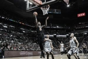 Un Ginóbili goleador guió la victoria de los Spurs