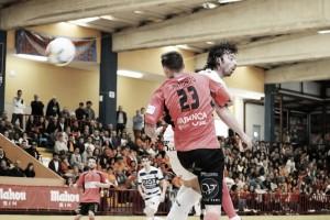 Burela sueña con la permanencia tras golear a Zaragoza
