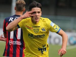 Chievo-Crotone 2-1, Birsa e Stepinski piegano i calabresi, inutile il gol di Tumminello