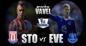Stoke - Everton: la lucha de la zona media